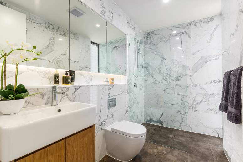 289-the-grand-pde-sans-souci-Bathroom
