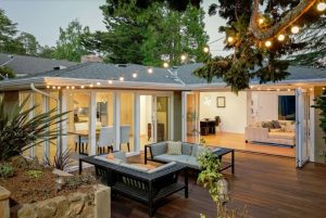 How to turn your backyard into entertaining area
