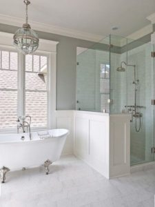 hamptons style bathroom